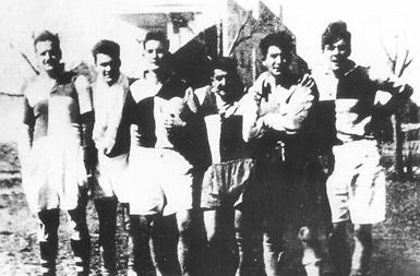 Il Che (primo da destra) con la maglia dell'Yporá Rugby Club