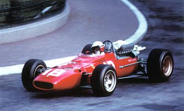 Lorenzo Bandini alla guida della Ferrari 312