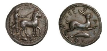 AR Tetradramma di Messana (Messina) ) (ø 24,5 mm – g. 17.40) – 415-405 a.C. Da notare la posizione diversa dell'auriga (qui eretto) rispetto al conio reggino.