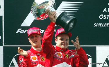 trionfatore davanti a Schumacher
