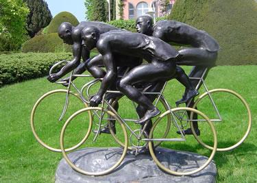 bronzo dedicato al ciclismo (© Eduardo Neves)