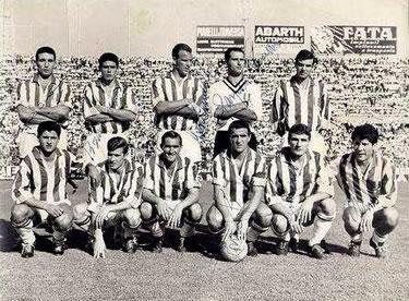 una formazione della Juventus 1961-62
