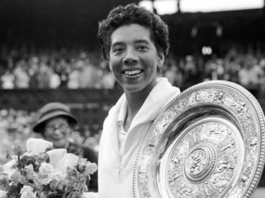Althea Gibson vincitrice a Wimbledon