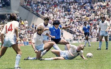 dribblingmaradona_gol_argentina_inghilterra_03_getty
