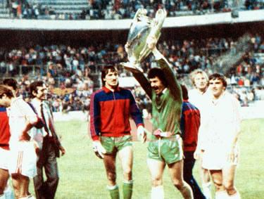 lo Steaua in trionfo