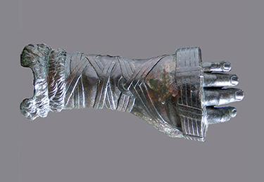 Guanto di pugilatore (Frammento bronzeo da Ercolano, I Sec. d.C.)