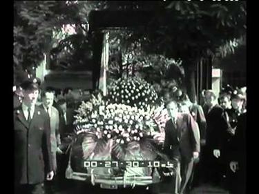 I funerali di Nuvolari (© Istituto Luce)