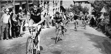 Lo scatto di Adorni al Giro 1963