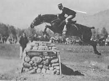 Nel salto Caprilli si adatta alla posizione del cavallo