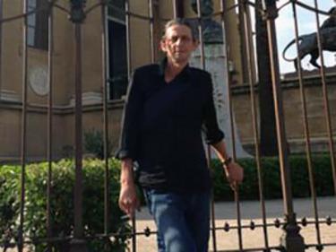 Maurizio a Palermo, davanti al Teatro Massimo