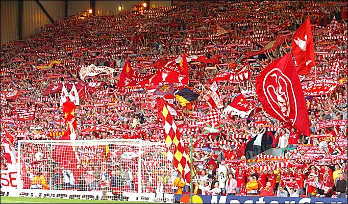 la mitica tifoseria del Liverpool