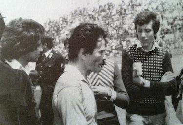 L'ultima immagine di Pasolini su un campo di calcio è a Trapani, per un incontro della Nazionale Attori e Cantanti
