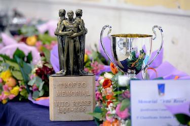 Il trofeo del Memorial di scherma intitolato a Resse