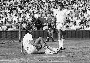Insieme a Jimmy Connors a Wimbledon nel 1975
