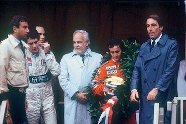 Sul podio Senna e Prost premiati da Ranieri e Alberto di Monaco