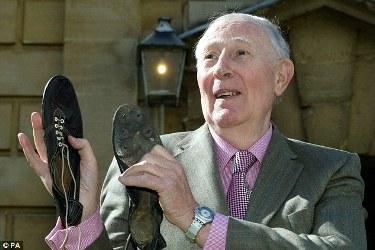 Le scarpe del record (©Getty Images)