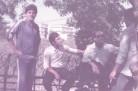 Giuseppe Cormio, Julio Velasco e alcuni dirigenti della Tre Valli in trasferta nel 1983 (© Archivio Bartocci)